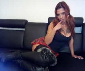 Séance BDSM avec une femme dominatrice